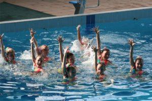 Аквааэробика для детей должна проводиться квалифицированным тренером