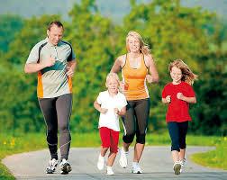 Полезно и интересно устраивать пробежки всей семьей