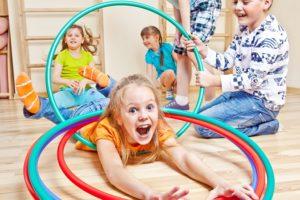 Лучшим вариантом совместить приятное с полезным – это поощрять не факт посещения ребенком спортивных тренировок, а факт увлечения ими