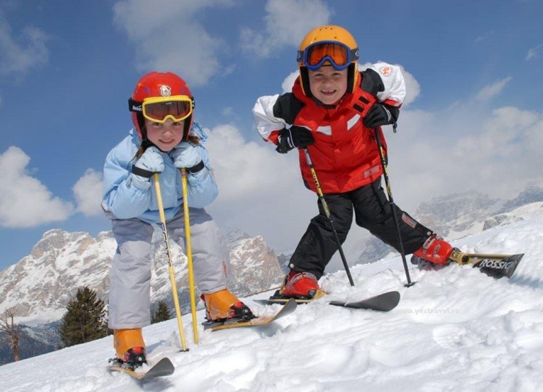 Юные горнолыжники