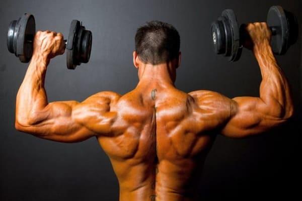 Прокачивайте спину специальными упражнениями