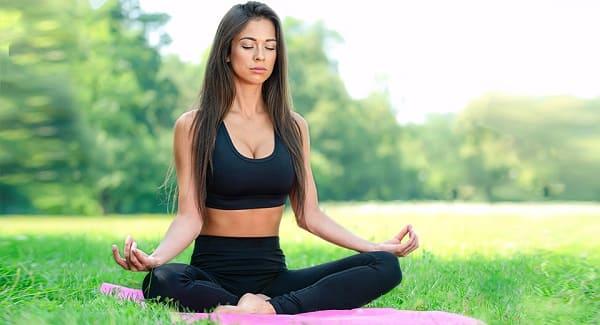 Падмасана - классическая поза для медитации