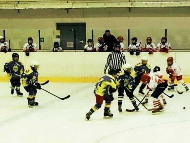 Детский хоккей с шайбой