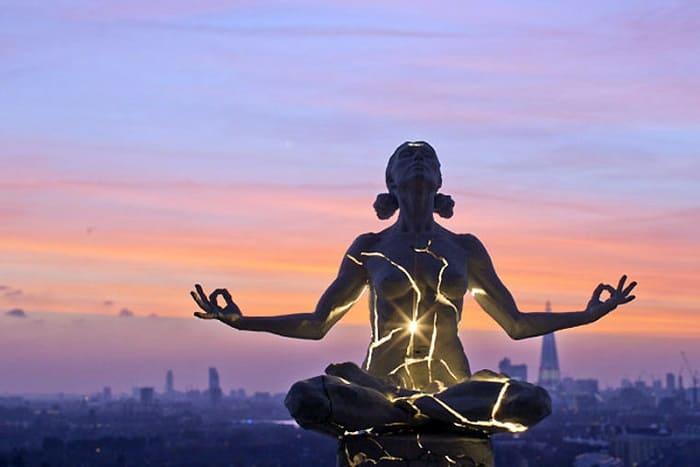 Во время практик человек учится управлять своей энергией